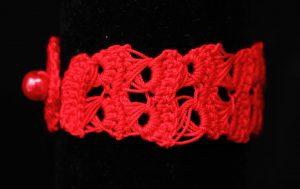Csipke karkötő piros - F47